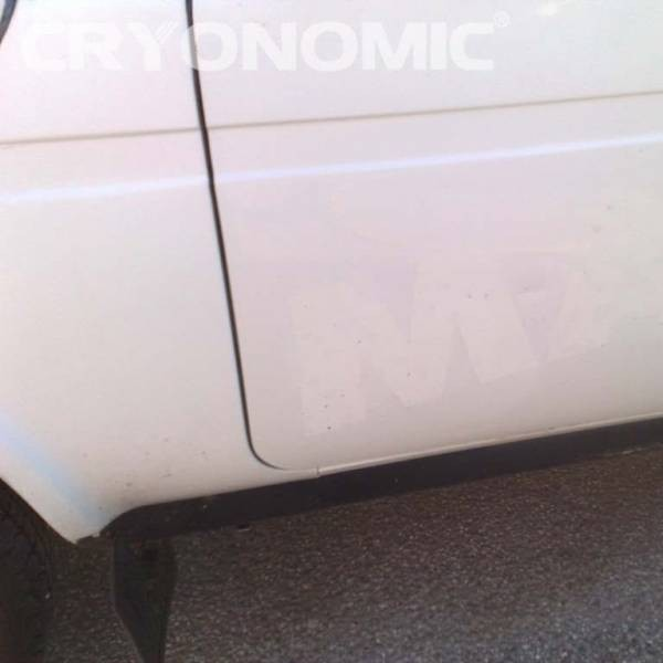 Îndepărtare reclame de pe mașini și camioane 0