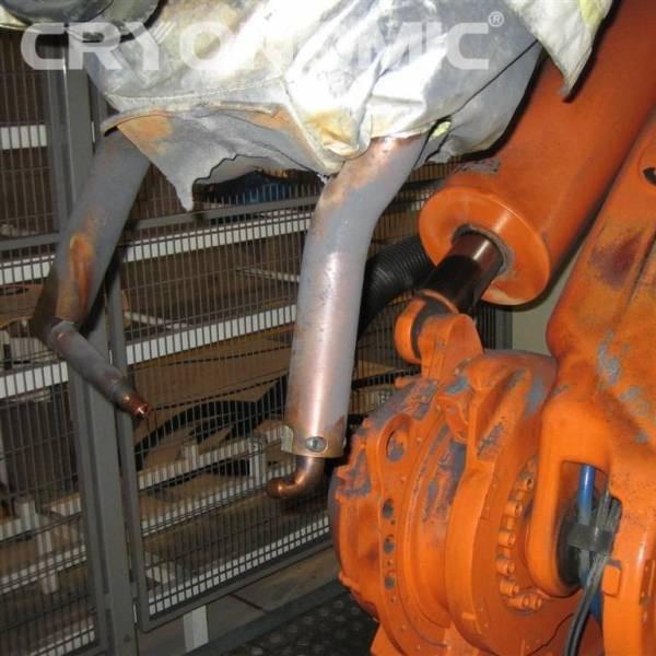 Curățare roboți sudură Industria Auto 2