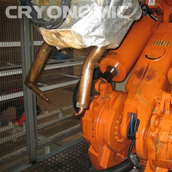 Curățare roboți sudură Industria Auto 0