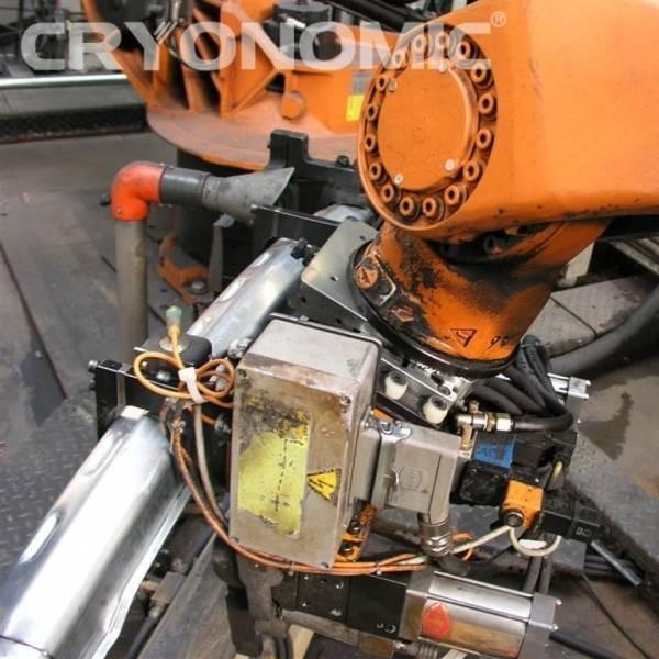 Curățare roboți sudură Industria Auto 1