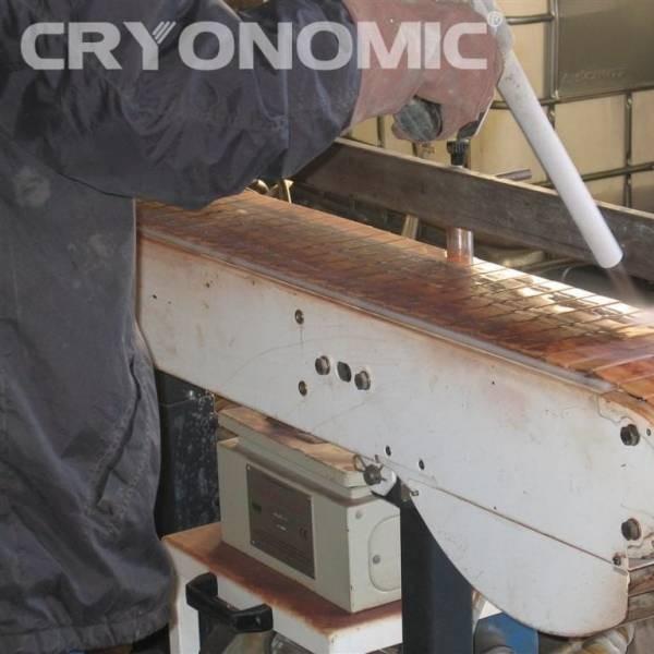 Curățare echipamente producție 10