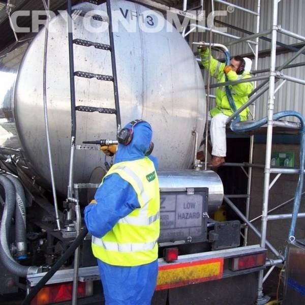 Curățare reactor și rezervor Ind Chimică 2