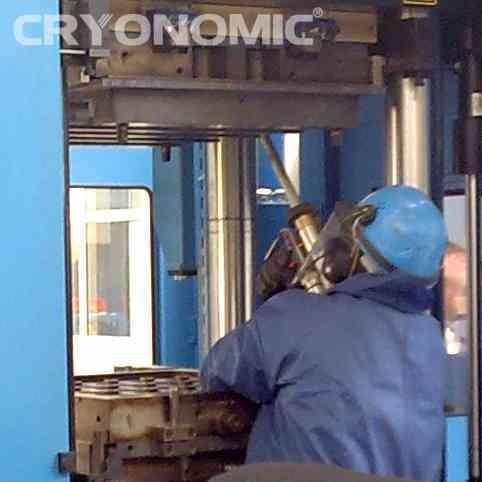 Curățare matrițe și extruder în Industria Plasticului 1