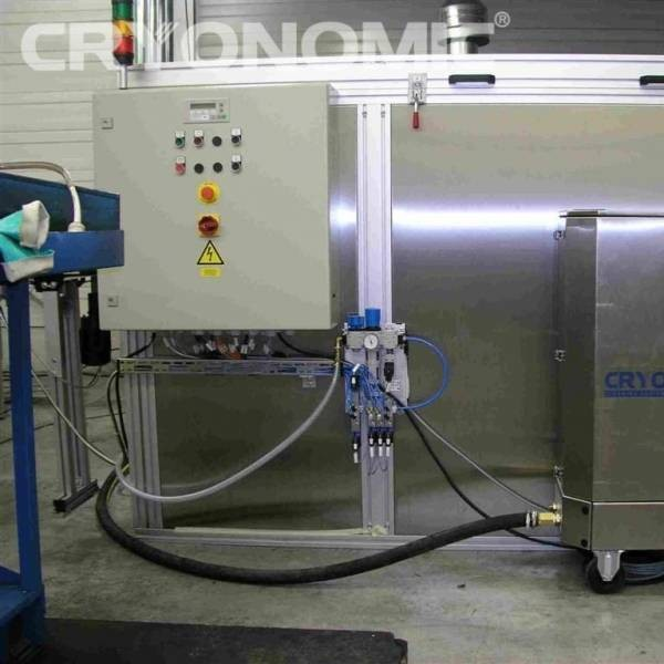 Curățare automatizată cu gheață carbonică în producția de serie 5
