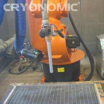 Curățare automatizată cu gheață carbonică în producția de serie 0