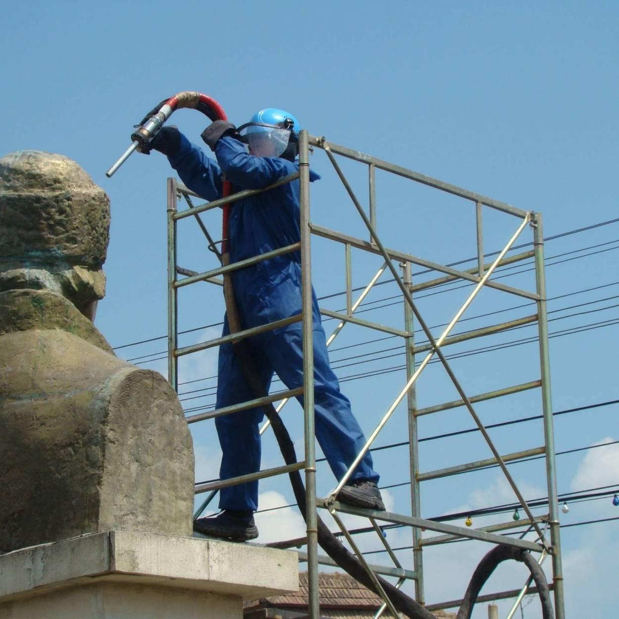 Servicii de Restaurare Statui din Metal 11